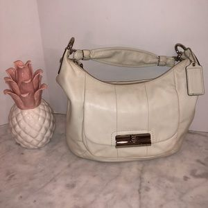 Coach Kristen hobo ivory leather excellent! 😎